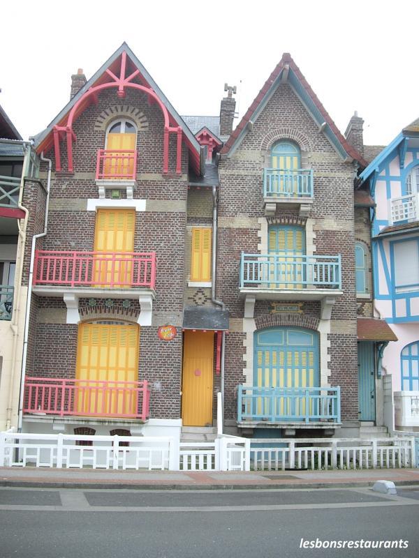 Les plus belles facades de maisons interesting cette for Les plus belles facades de villa